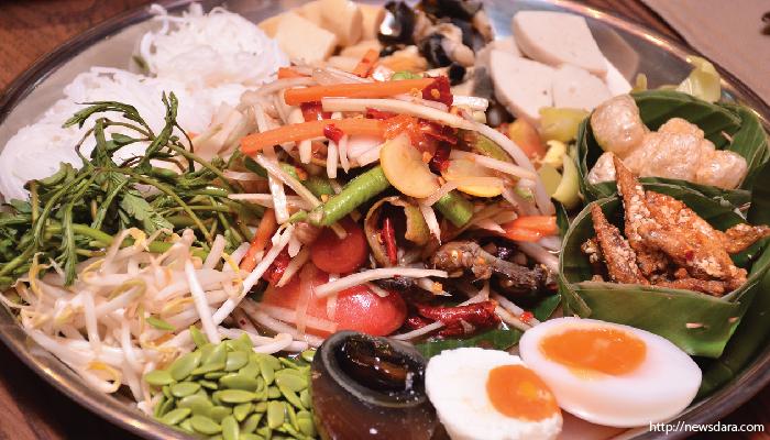 อาหารไทย ส้มตำถาด