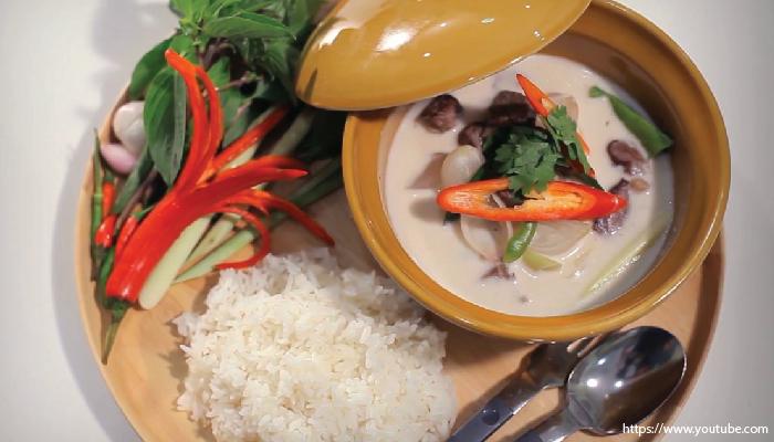 อาหารไทย เนื้อเค็มต้มกะทิ